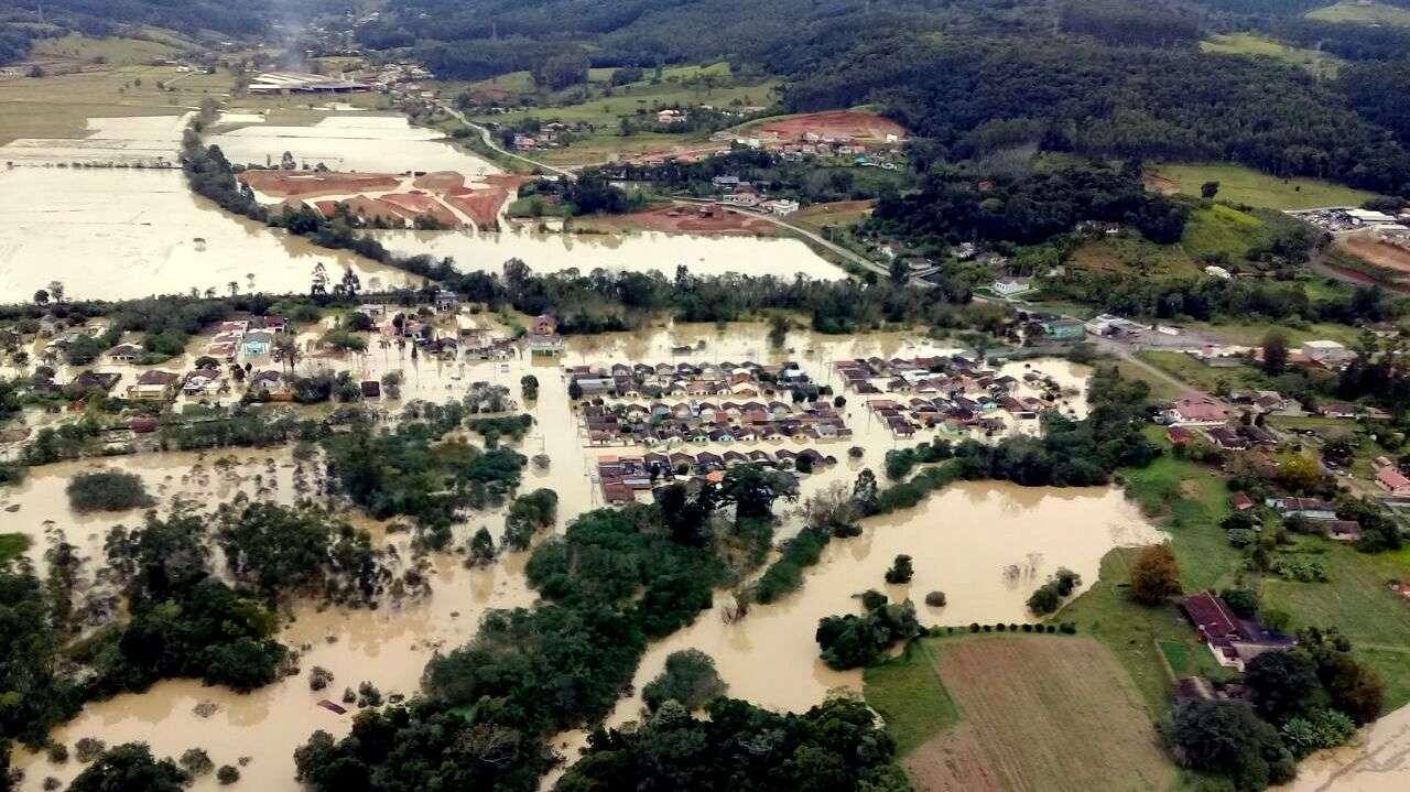 Chega a 90 o número de municípios afetados pelas chuvas em SC